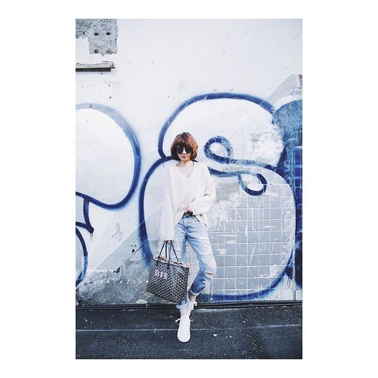 🎄Today's Outfit  #wiw #ootd #wiwt #instastyle #outfitpost #ootdshare #whatiwore #lookoftheday #lookbook #fashiongram #currentlywearing #whatiworetoday #todayimwearing #outfitoftheday #mylook #todaysoutfit #fashionpost #acnestudios #acnestudiosscarf #acne #stylegram #sophiefishslookbook #currentelliott #stansmith #goyard #goyardstlouis #gucci #guccibelt