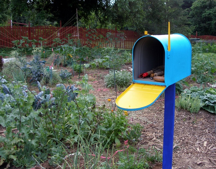 A mailbox for garden tools! I have loved this idea for so long - time to do it!