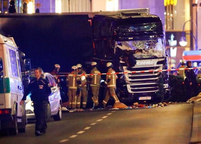 A truck plowed into a Christmas market in Ku'damm in a major public square in Berlin Germanie, causing multiple injuries and multiple f...