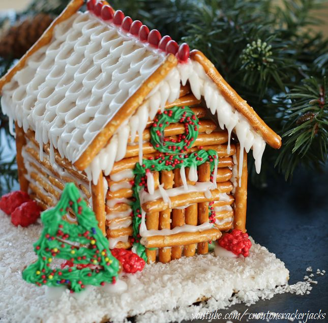 The 25+ best Graham cracker gingerbread house ideas on ...