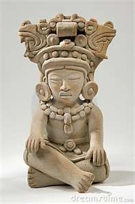 Scultura Maya http://www.extramoeniart.it/all-arount/se-la-fine-del-mondo-e-l-inizio-di-un-sogno esto es alogo maya.