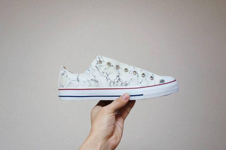 Marble. #converse #allstar #chucktaylor #cons #marble #sneaker #sneakers #sneakerhead #custom #custompaint #custompainted #customshoes #paint #streetart #streetfashion #streetstyle #chaos #psycho #anarchy #pablo #iwkn #local #dead #prayhands #graffiti #iwakuni #iwakunicity