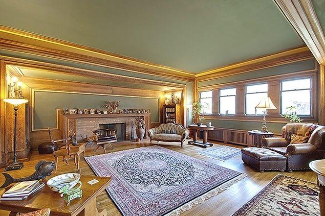 Frank Lloyd Wright's early Prairie-style house - Heller House