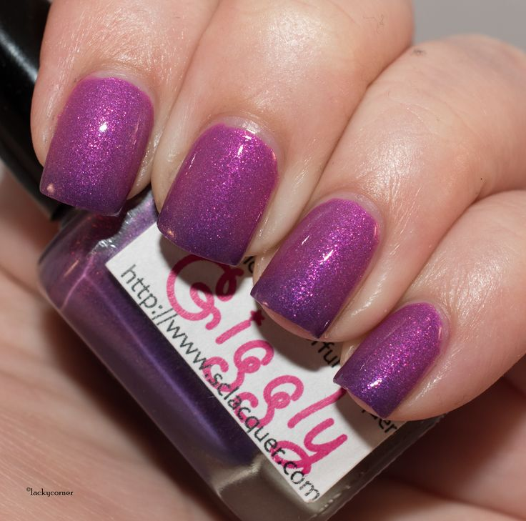 Superficially Colorful Lacquer Giggly