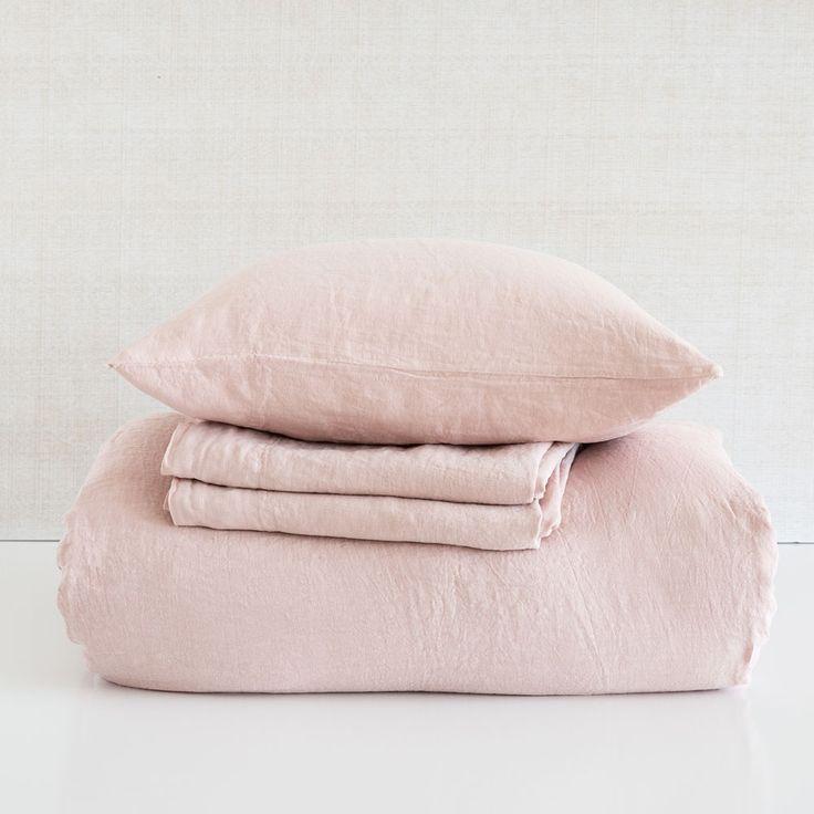 Linnen lakens en slopen kleur roze
