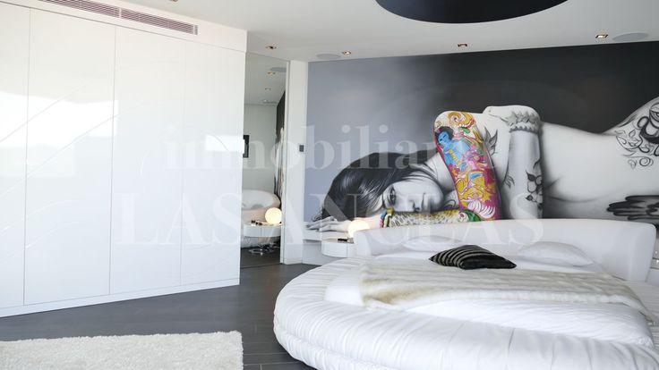 Ibiza: Ref. 940 Stylish master bedroom in a designer villa near Es Cubells.