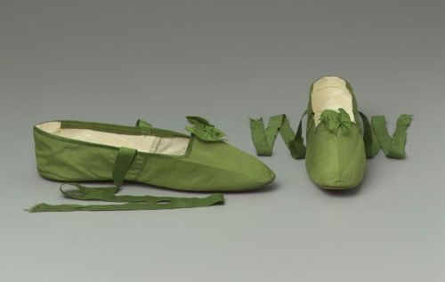 green silk. after 1810 before 1830