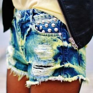 love.: Distressed Shorts, Diy Shorts, Shorts Shorts, Cute Shorts, Dreams Closetfashion, Studs Shorts, Jeans Shorts, Denim Shorts, Summer Shorts