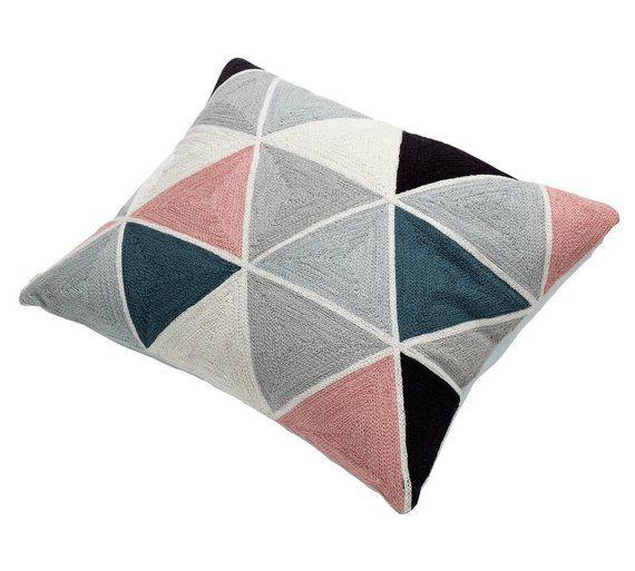 best 25 geometric cushions ideas on pinterest throw. Black Bedroom Furniture Sets. Home Design Ideas
