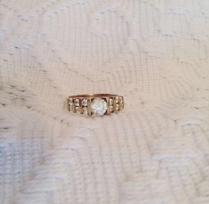 Mein 8 Karat Gold Ring Verlobungsring 333 Gold Größe 56 von ! Größe  für 200,00 €. Sieh´s dir an: http://www.kleiderkreisel.de/accessoires/ringe/144038121-8-karat-gold-ring-verlobungsring-333-gold-grosse-56.