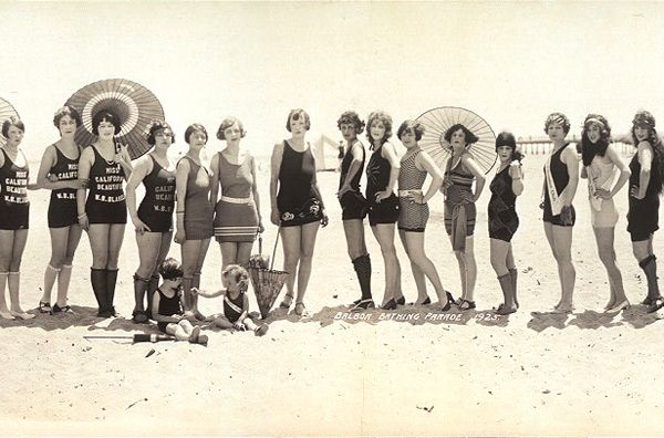 bathing beauties: At The Beaches, Vintage Swimsuits, Beaches Beautiful, Summer Beaches, Vintage Bath Suits, Beaches Girls, Bath Beautiful, Beaches Babes, Beaches Photos