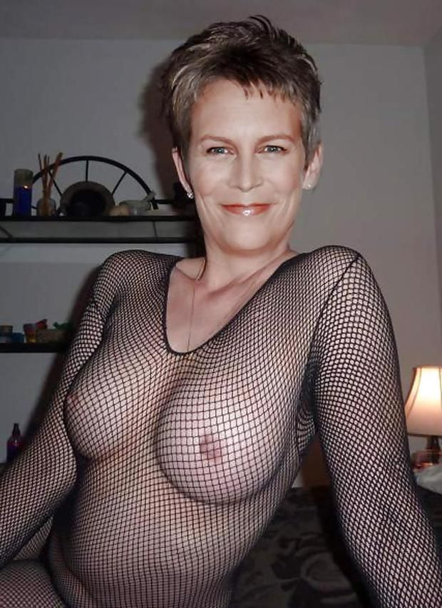jamie lee curtis boobs
