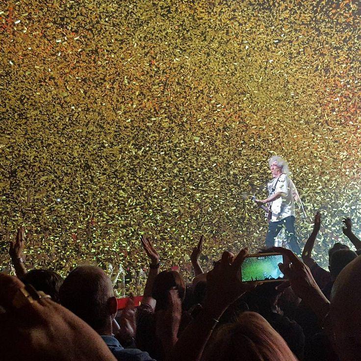 @marcusaure1968「Very exciting show! Queen and Adam Lambert at the Toyota Center. #queen #adamlambert #classicrock…」