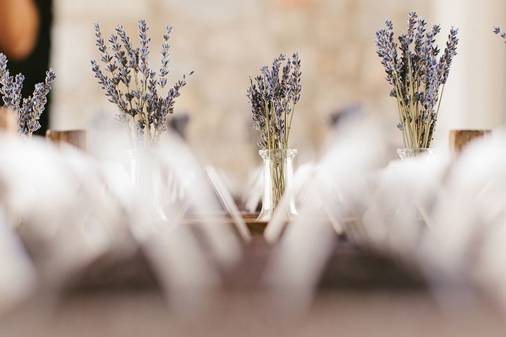 #realwedding #costanavarino #decoration #whiteribbonevents #lavender