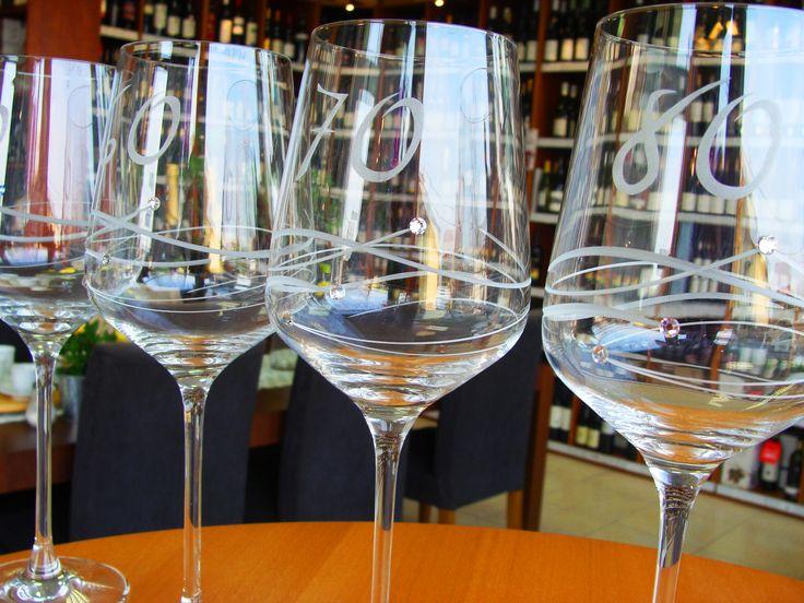 Máme pre vás KALICHY a poháre na VÝZNAMNÉ JUBILEÁ  ........... www.vinopredaj.sk ...........  Navštívte nás a vyberte si z našej ponuky úžitkového skla alebo objednajte v e-shope. ......................................  #kalich #pohar #jubilejny #jubilejnypohar #sklo #glassware #uzitkove #uzitkovesklo #poharnavino #pohare #rona #ronasklo #lednickerovne #krasne #diamante #dar #gift #darcek #inmedio #wineshop #vinoteka #vynimocne #daruj #unikatne #nadhera #jubilejnykalich