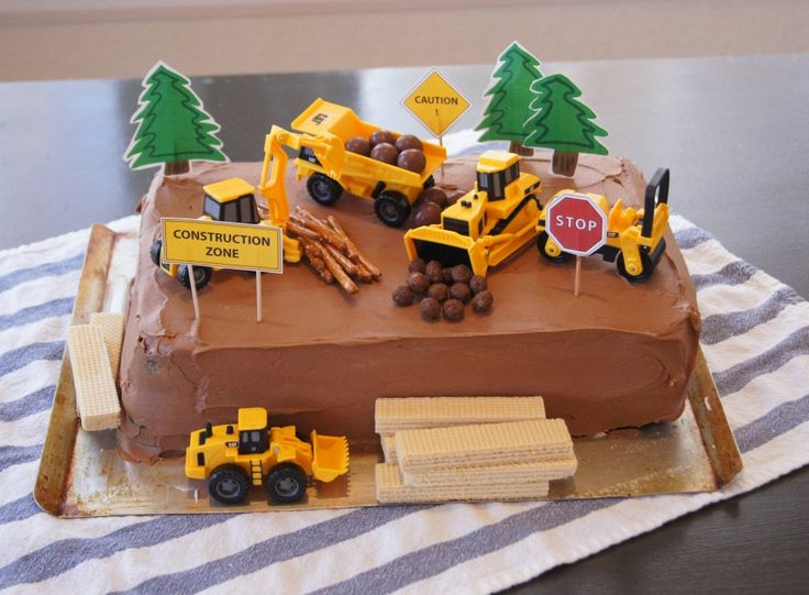 Construction zone chocolate cake with printable decorations |  Paperfishdesigns.com