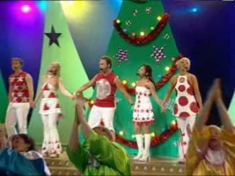 ▶ Hi-5 Xmas Concert 2002 - Santa Claus is coming - YouTube. I don't think there would be many Australian families who hasn't got or heard 'It's a Hi-5 Christmas.' I still know all the words to this song.