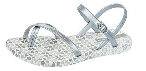 Ipanema Diamond III Womens Flip Flops  SandalsSilver7 -- Read more  at the image link. (This is an Amazon affiliate link and I receive a commission for the sales and I receive a commission for the sales)