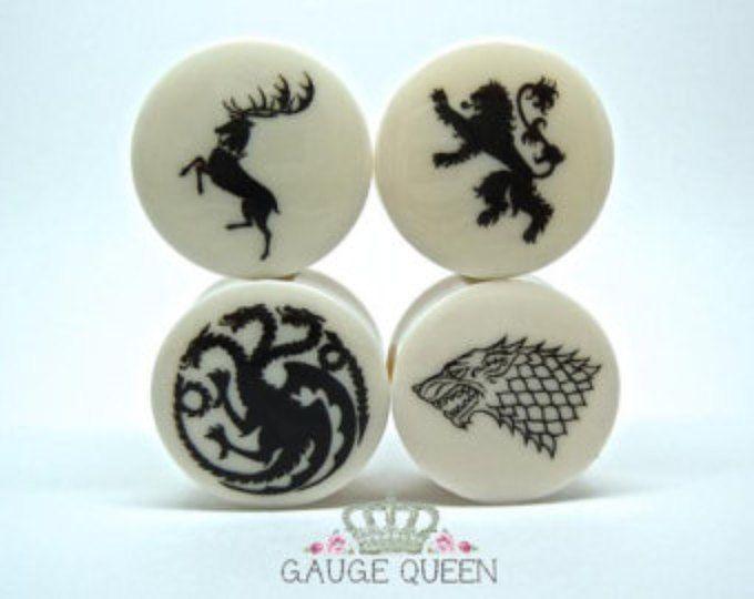 "Game Of Thrones Plugs/Gauges. 4g /5mm, 2g /6.5mm, 0g /8mm, 00g /10mm, 1/2"" /12.5mm, 9/16"" /14mm, 5/8"" /16mm, 3/4"" /19mm, 7/8""/22mm, 1"" /25mm"