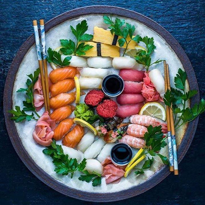 Superb sushi platter soooo pretty maybe too pretty to eat…. taken by @dennistheprescott  Sushi = www.makesushi.com Make Sushi http://ift.tt/2jdEDbWwww.makesushi.com Make Sushi http://ift.tt/2jdEDbW
