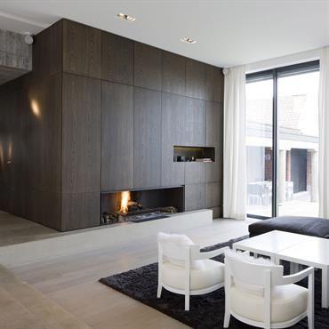 Salon avec chemin e int gr e au placard sur mesure meubles pinterest salons r novation et for Placard pour salon