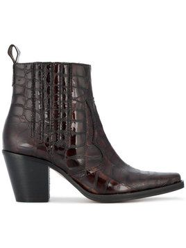 GANNI BOOTS http://rstyle.me/n/cvpsipv7iw