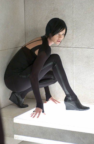 """""""Aeon Flux"""" / Charlize Theron  Awesome boots and gloves <3"""