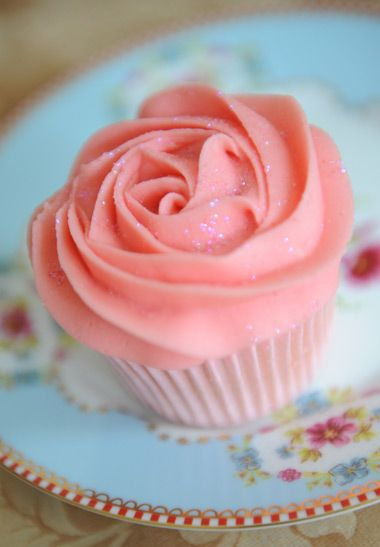 Lovable Pink Rose #Cupcake ♥ so romantic and cute *.* #food