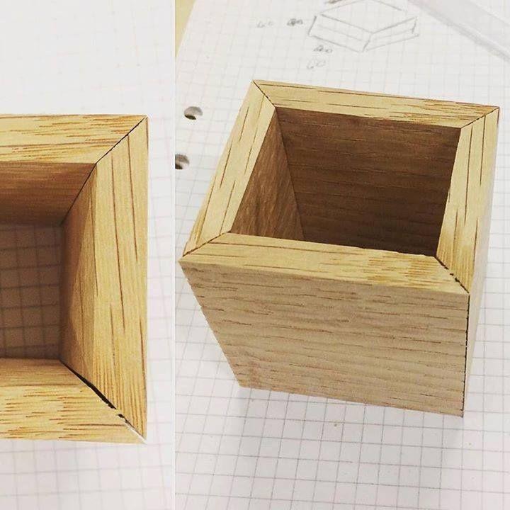 Askartelin tänään koulussa kun hallituksen säästöt on näemmä syöneet kaikki meidän opettajat enkä päässyt tuolin kanssa eteenpäin. Jiirit tehty mun lempityökoneella eli lihasvoimalla toimivalla polkaisuleikkurilla (ei hajuakaan mikä sen virallinen nimi on...) #puuseppä #puuala #osao #opiskelu #woodworking #woodwork #joinery #carpenter #design #studing http://ift.tt/2fM1DNS