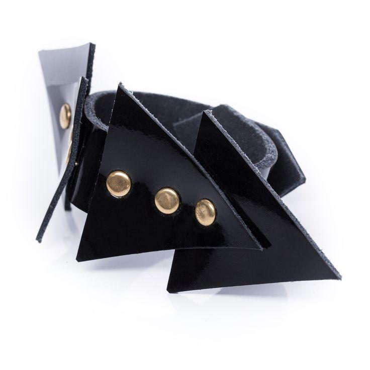 Triangle karkötő No. 2