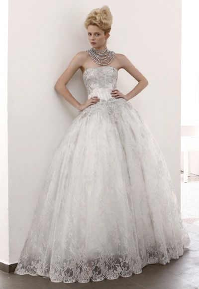 Lovely lace ball gown, horrible necklace though