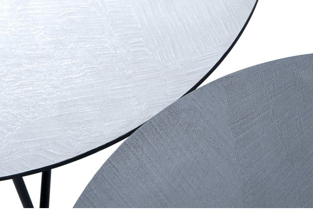 Eindeloos combineren met de nieuwe hippe beton ciré Street tafels. Beton ciré salontafeltjes zijn leverbaar in grijs of antraciet. Leverbaar in 25cm, 30cm of 35cm hoog met een blad diameter van 50cm of 60cm rond. De kracht van ambacht. Béton Ciré geeft dat unieke gevoel; het geeft een huiselijke sfeer en persoonlijkheid aan alle ruimtes. …