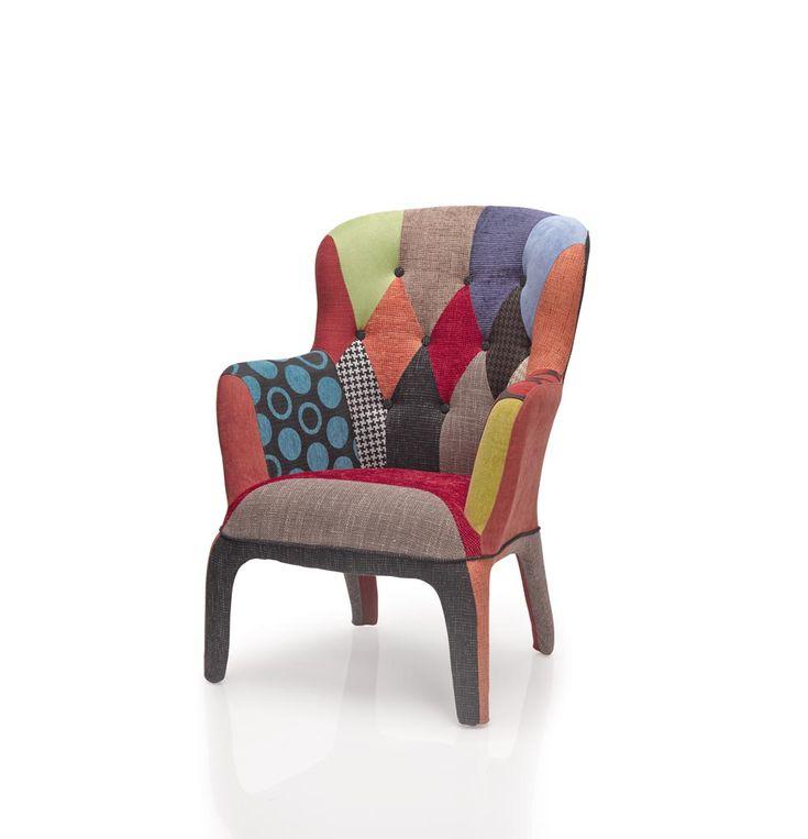¿Quién es el rey/la reina de tu casa? En el sillón PC 689 P de #DugarHome te sentirás como tal. Un sillón adaptado al estilo actual, tapizado en divertidos colores pachwork, es ideal si estás buscando estilo y elegancia.  #patchwork #decoración #sillón #hogar #colores #diseño #estilo #rey #reina
