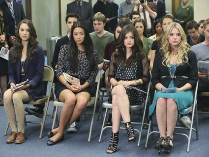 Do you remember this part of the episode? | Pretty Little Liars #Episode8PleaseDoTalkAboutMeWhenIAmGone