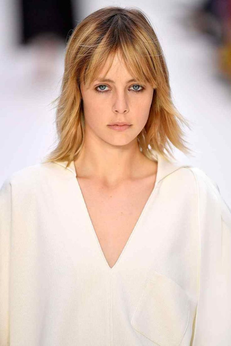 Bangs 2018 For Your Hair - Bangs Hairstyles.Wispy Hair The wispy-bang look reached an excitation, notably in East Asia, throughout the center to the latter part of 2016. We're only too desperate to extend this 1990s-inspired trend into the yr, particularly when seeing the chic bang-with-blunt bob pairings peppering the runways and our favorite fashion blogs. a little stringy, it additionally maintains Associate in Nursing innocent girlish charm that instantly sweetens up even #bangs
