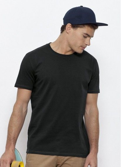 Kurtus men's heavyweight fair trade and organic cotton t-shirt in black - up to size 3XL! (4XL available on pre-order). Medium fit and 200gsm! Made in Bangladesh. #fairtrade #organiccotton