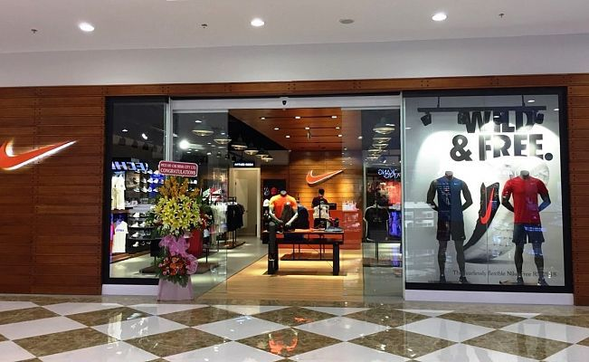 Disciplina Cenagal localizar  Renovation of Nike's Store at Vincom Center Danang in Vietnam | Tasarım