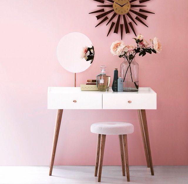 Die besten 25+ Rosa schminktisch hocker Ideen auf Pinterest - moderne hocker für schlafzimmer