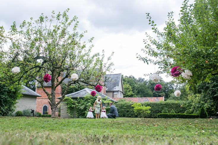 Yaxley Hall, Suffolk – Sarah & Kyle » Kent Wedding Photographer, unique, natural wedding photography in Kent, London & UK by Nia Rose Weddings