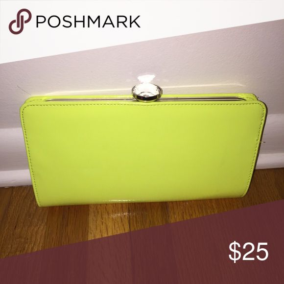 Patten yellow clutch Hot yellow patten clutch! Perfect for Spring/Summer! Bags Clutches & Wristlets