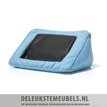 Dit trendy tabletkussentje moet je echt hebben! De vulling vormt zich met je lichaam mee dus vanaf nu hoef je nooit meer je tablet vast te houden, ideaal! Snel leverbaar!  http://www.deleukstemeubels.nl/nl/tablet-kussen-blauw/g6/p1052/