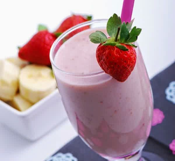 Resep Membuat Milkshake Strawberry Special Segar