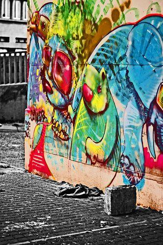 Graffiti art in the CBD of Johannesburg- rainbow coloursplash