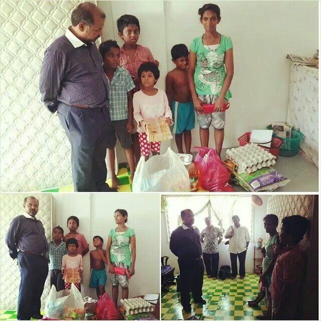 [Admin] 17  July  2014  HARAPAN SEORANG IBU TUNGGAL MENJADI USAHAWANAN BERJAYA.  YBHG DATUK RS THANENTHIRAN , MENDENGAR,MENYELAMI,MEMBANTU INSAN YANG BERNAMA IBU TUNGGAL.  Pada  16  July ,  2014  Suatu petang Datuk RS Thanenthiran, menziarahi ke rumah seorang ibu tunggal yang bernama Sarasvadi A/P Muniandy (34-thn) Bukit Mertajam,Pulau Pinang, yang miskin tegar dengan menyara kehidupan dengan menjual keropok dengan berpendapatan rendah seharian.  Dia (Ibu Tunggal) mengharapkan anaknya itu…