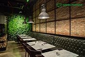 Green Fortune Plantwall at Leopolds, Abu Dhabi, vertical garden, groene wand, grüne Wand