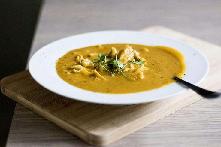 Sopa de frango com batata doce. A sopa mais maromba que já fiz.
