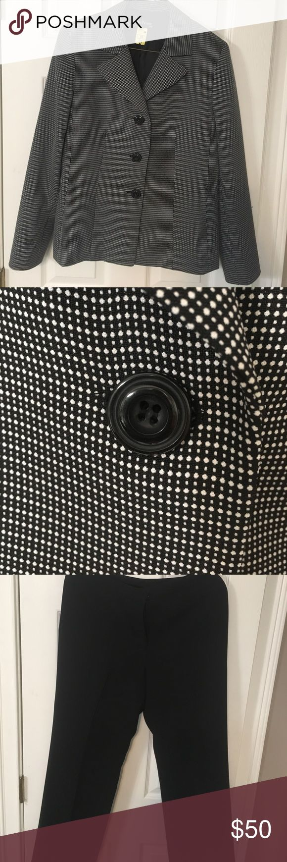 Evan-Picone Suit two piece Evan-Picone two piece suit like new. Black pants with side slash pockets, flat front.  Great addition to your work wardrobe! Evan Picone Other