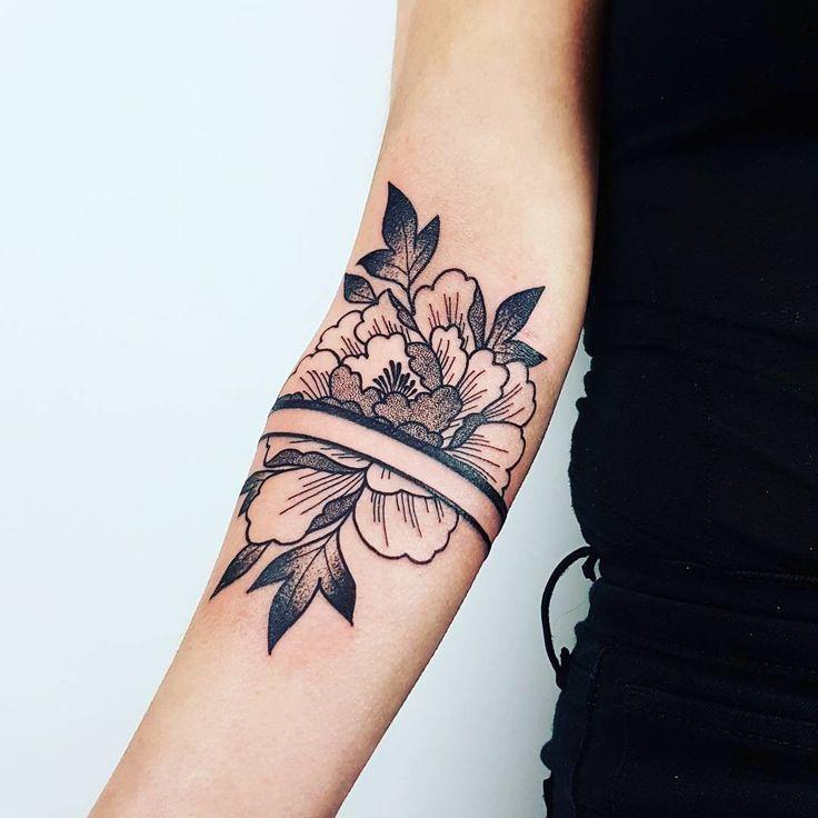 25 beautiful black flower tattoos ideas on pinterest for Pinterest tattoo ideas