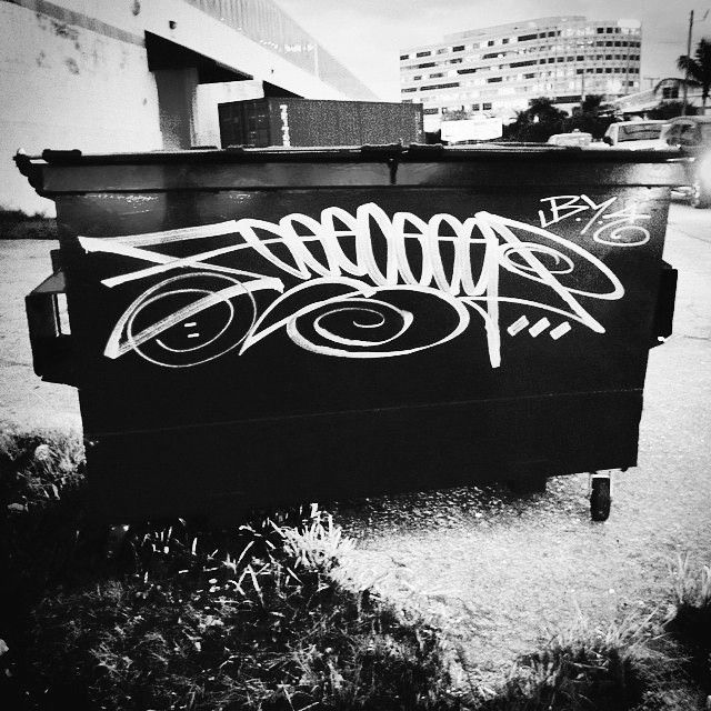 another beast from the BYE crew, Feeceez (@feeceez) is seen here taking a Grog (@grog_eu) Cutter for a spin. #feeceez #byecrew #handstyle #grogcutter #graffiti