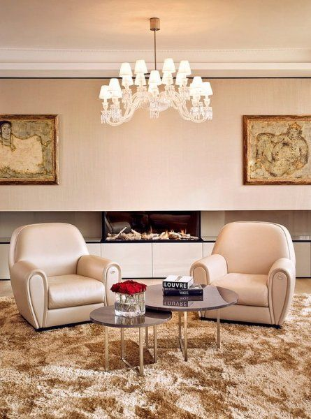 Modern living room with luxury fireplace  http://szarazepiteszetidesign.cafeblog.hu/2014/09/27/egy-luxus-kastelyi-stilus-angliaban/